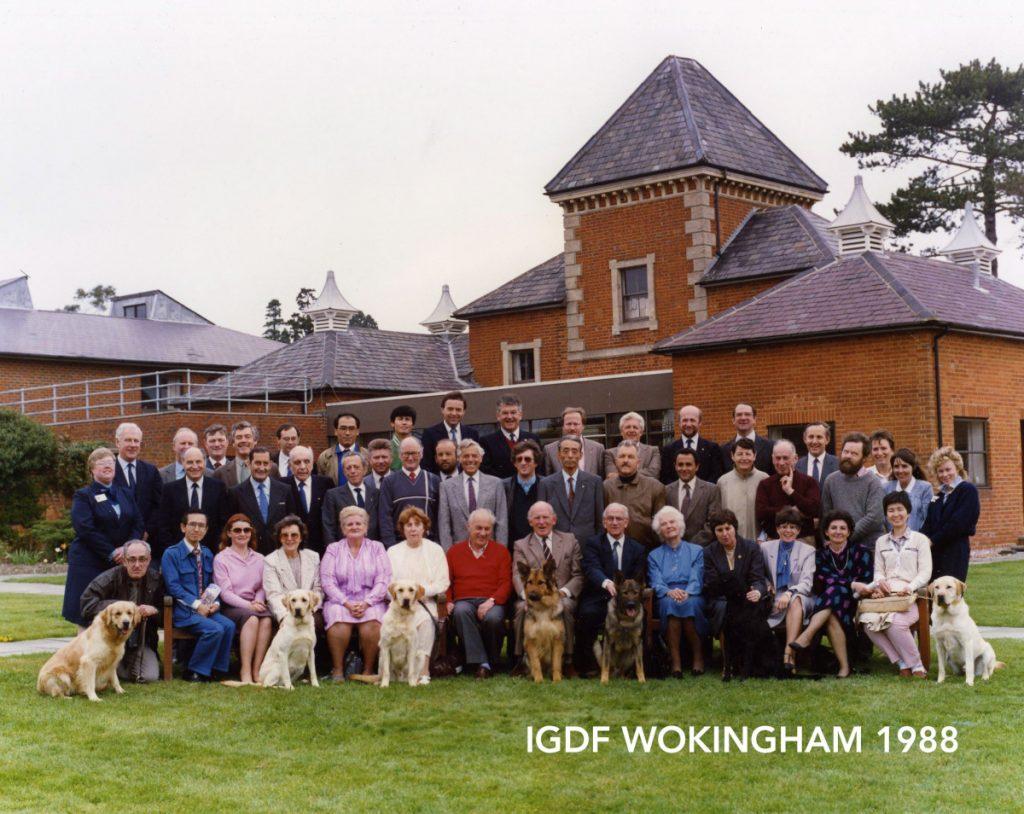 Group photo of IGDF Wokingham in 1988.